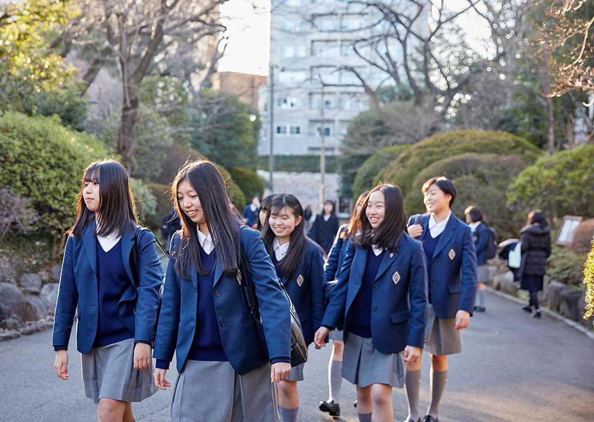 学校 香蘭 女